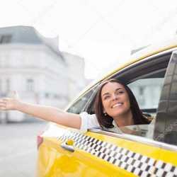 Водитель легкового автомобиля в Яндекс такси