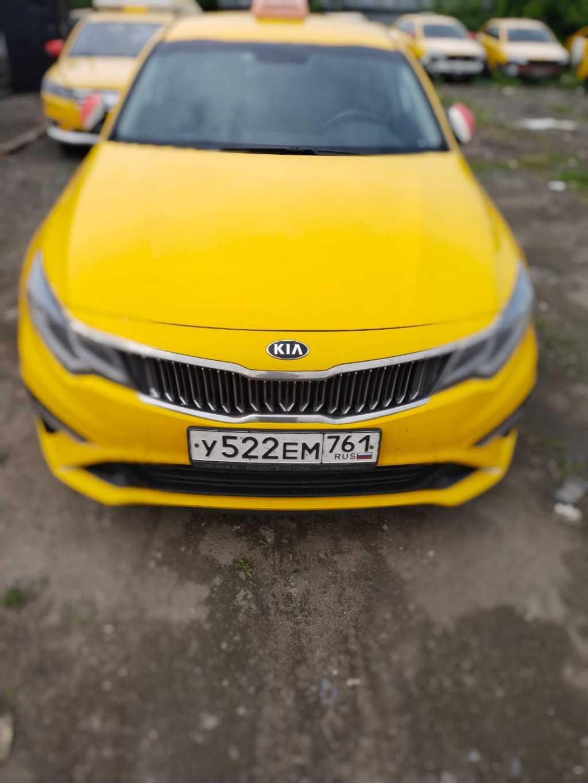 Водитель такси, аренда брендированного автомобиля в Москве. Фото 2