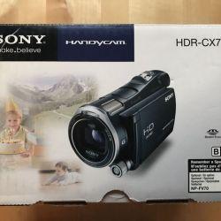 Видеокамера Sony HDR CX700e