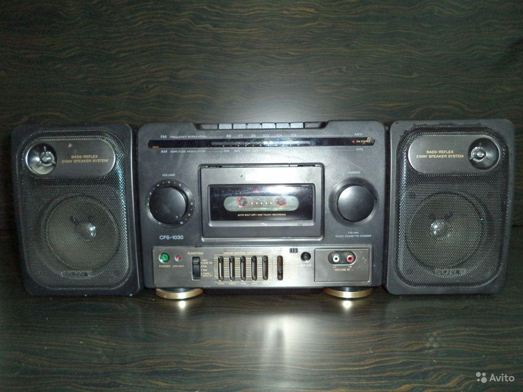 Кассетная, винтажная магнитола sony с ам/FM радио в Москве. Фото 1
