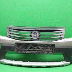Бампер передний Renault Sandero 09-14 г